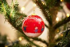 Bola de la Navidad de la Unicef Imagen de archivo libre de regalías