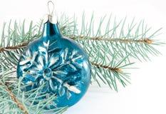 Bola de la Navidad del copo de nieve Fotografía de archivo libre de regalías