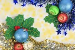 Bola de la Navidad del fondo. Imagen de archivo libre de regalías