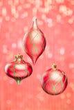 Bola de la Navidad en chispas Imagen de archivo