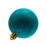 Bola de la Navidad en el blanco aislado árbol Foto de archivo