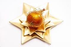Bola de la Navidad en la placa asteroide Fotos de archivo libres de regalías