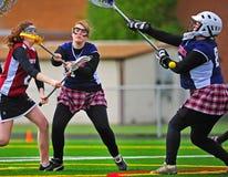 Bola de lacrosse pela guarda-redes Foto de Stock