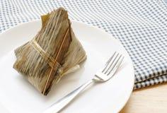 Bola de masa hervida del arroz, tamal chino Foto de archivo