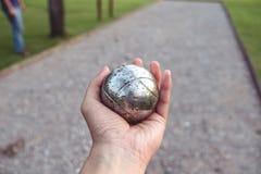 Bola de metal de Petanque disponível imagens de stock