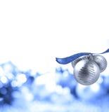 Bola de plata de la Navidad Imágenes de archivo libres de regalías