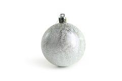 Bola de plata de la Navidad, cierre para arriba Imagen de archivo