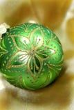 Bola decorativa de la Navidad fotos de archivo
