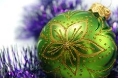 Bola decorativa verde Imágenes de archivo libres de regalías