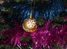 Bola del amarillo del Año Nuevo Foto de archivo libre de regalías