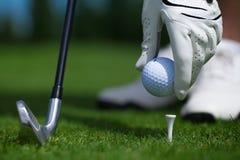 Bola del guante de golf Imágenes de archivo libres de regalías
