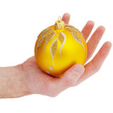 Bola del oro del árbol de Cristmas Fotos de archivo