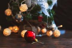 Bola del ` s del Año Nuevo Juguete del árbol de navidad Imagen de archivo libre de regalías