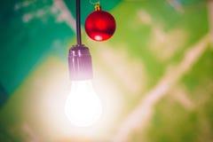 Bola do vermelho do Natal imagens de stock royalty free