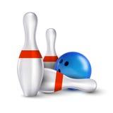 Bola e pinos do boliches Os pinos realísticos do vetor com bola são Foto de Stock Royalty Free