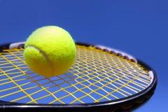 Bola e raquete Imagem de Stock Royalty Free