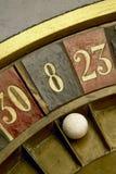 El jugar en una ruleta del vintage Foto de archivo