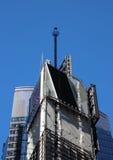 A bola esquadra às vezes em New York com o céu azul Fotos de Stock Royalty Free