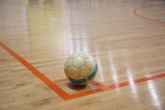 A bola futsal no canto Foto de Stock Royalty Free