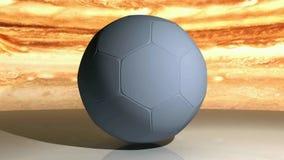 Bola gris del fútbol que gira contra un cielo nublado de color marrón, en una superficie blanca - vídeo de la representación 3D stock de ilustración