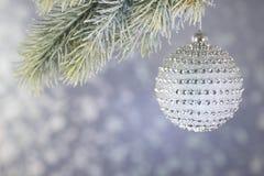 Bola hermosa de la Navidad del diamante Foto de archivo libre de regalías