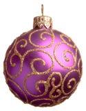 Bola púrpura de la Navidad Fotografía de archivo libre de regalías