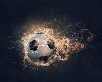 Bola que quema en fuego Técnicas mixtas Imagenes de archivo