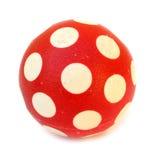 Bola roja con los puntos blancos imagenes de archivo
