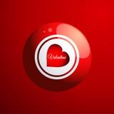 Bola roja del bingo con el corazón de la tarjeta del día de San Valentín Fotografía de archivo