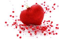 Bola roja del corazón imagen de archivo