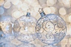 Bola transparente de la Navidad foto de archivo libre de regalías