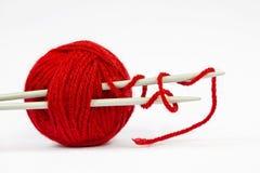 Bola vermelha de lãs Foto de Stock Royalty Free