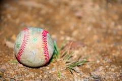 Bola vieja del béisbol Imagenes de archivo