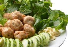 Bola y verduras de carne Fotografía de archivo libre de regalías
