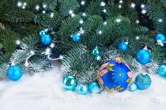 Bolas azules de la Navidad Imagenes de archivo