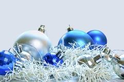 Bolas azules y de plata Imágenes de archivo libres de regalías