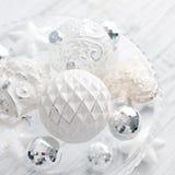 Bolas brancas do Natal do vintage Foto de Stock Royalty Free