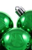 Bolas brillantes verdes de Navidad Imagen de archivo