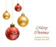Bolas coloridas de la Navidad aisladas en blanco Foto de archivo libre de regalías