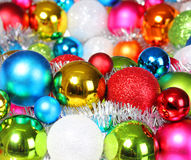 Bolas coloridas de la Navidad. Decoraciones de la Navidad. Fotos de archivo