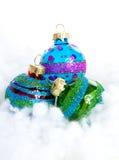 Bolas coloridas de la Navidad del brillo Foto de archivo