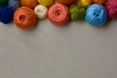 Bolas coloridas del hilado Fotografía de archivo