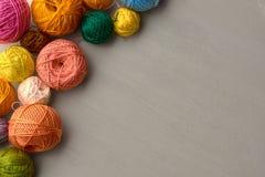Bolas coloridas del hilado Imágenes de archivo libres de regalías
