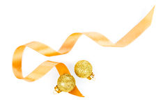 Bolas da decoração do Natal com fita do cetim Fotografia de Stock Royalty Free