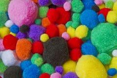 Bolas de algodón coloridas fotografía de archivo libre de regalías