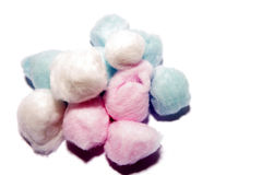 Bolas de algodón coloridas imagen de archivo libre de regalías