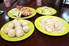Bolas de arroz da galinha Fotos de Stock
