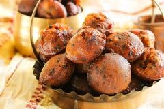 Bolas de arroz fritado de Unniyappam para o festival do vishu em Kerala fotografia de stock