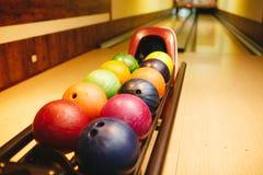 Bolas de boliches prontas para o jogo Fotografia de Stock