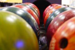 Bolas de bowling fotos de archivo